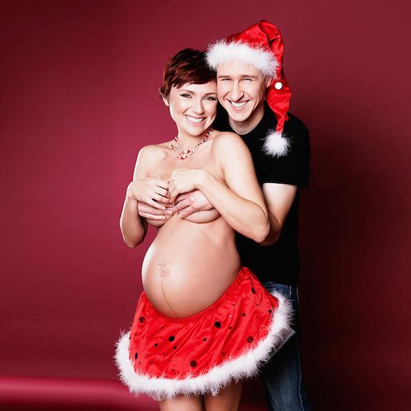 Awkward Christmas Family Photographs 20