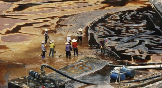 China Pollution Images - black water 2