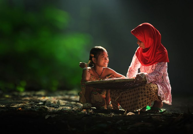 Herman Damar Indonesia - mother and daughter