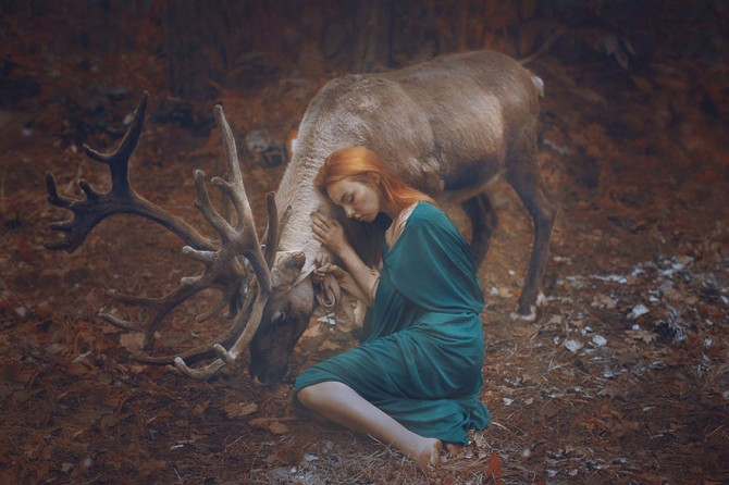 Katerina Plotnikova - Girl And Reindeer