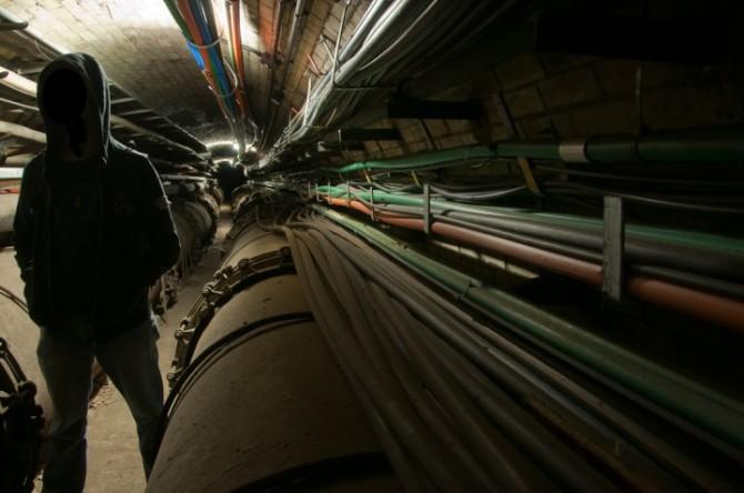 Place Hacking - Urban Explorer - Arterial GLC Cable Tunnel, London, United Kingdom