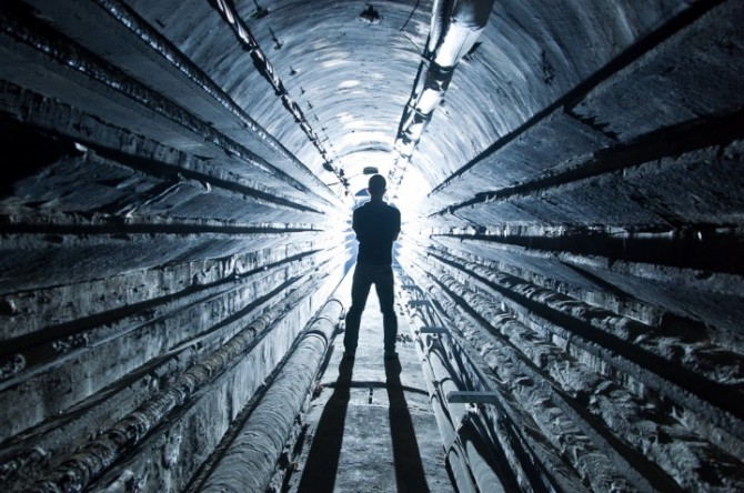 Place Hacking - Urban Explorer - EDF Tunnels, Paris France