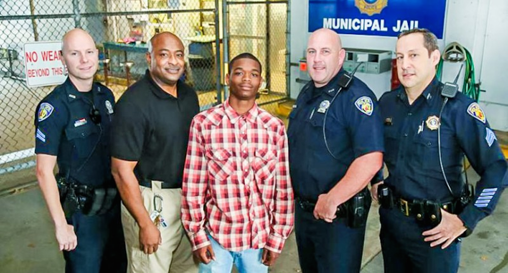 Hancuffed Teen Saves Life Of Cop