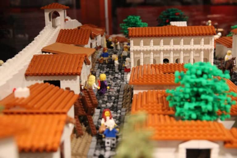 LEGO Pompeii 1