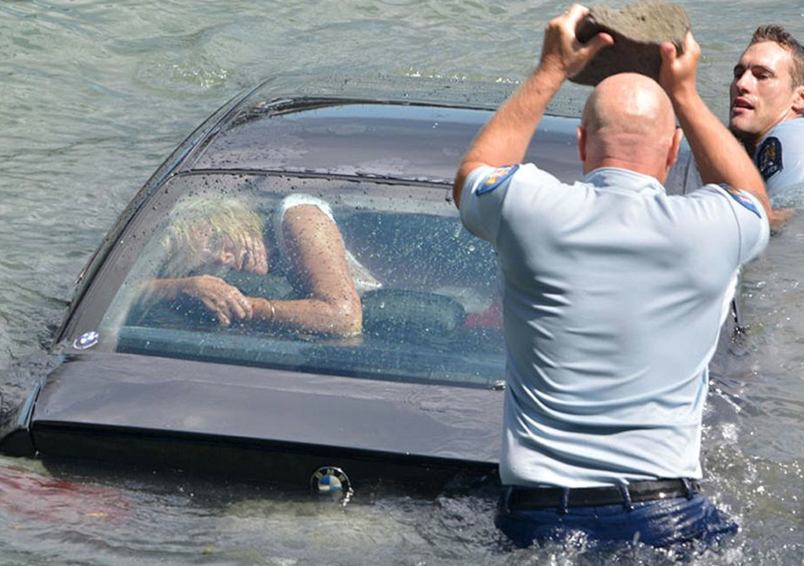 These Pictures Of A Woman Almost Drowning In Her Car Will ...