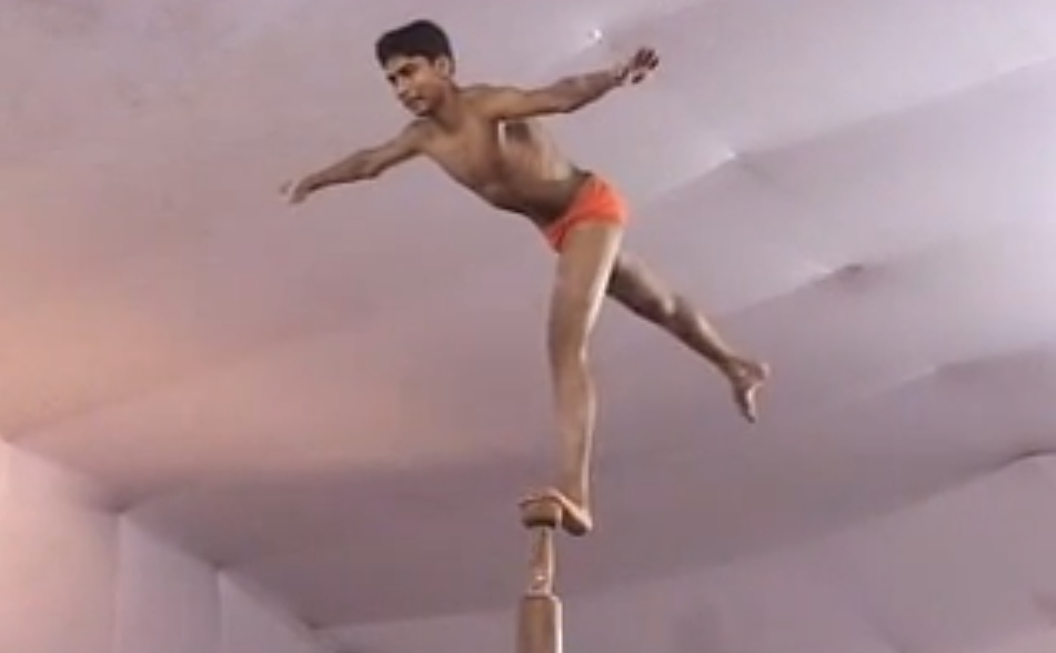 Most Extreme Pole Dance Ever