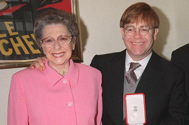 Elton Mum