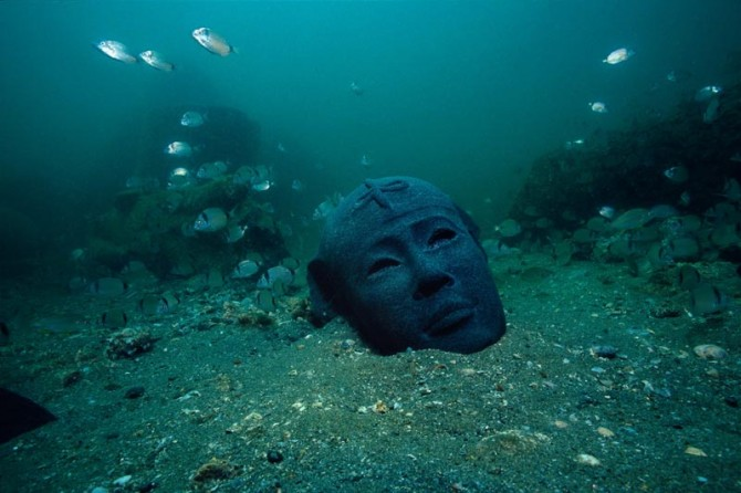 Franck Goddio - Fish and Head