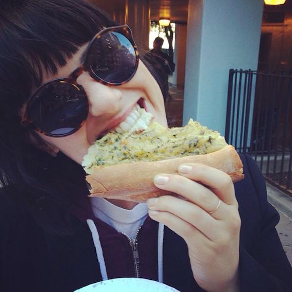 Hot Girls Eating Pizza 10