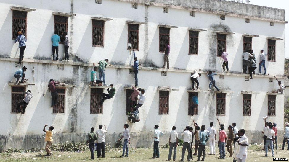 India Students Cheat Bihar Exam Building