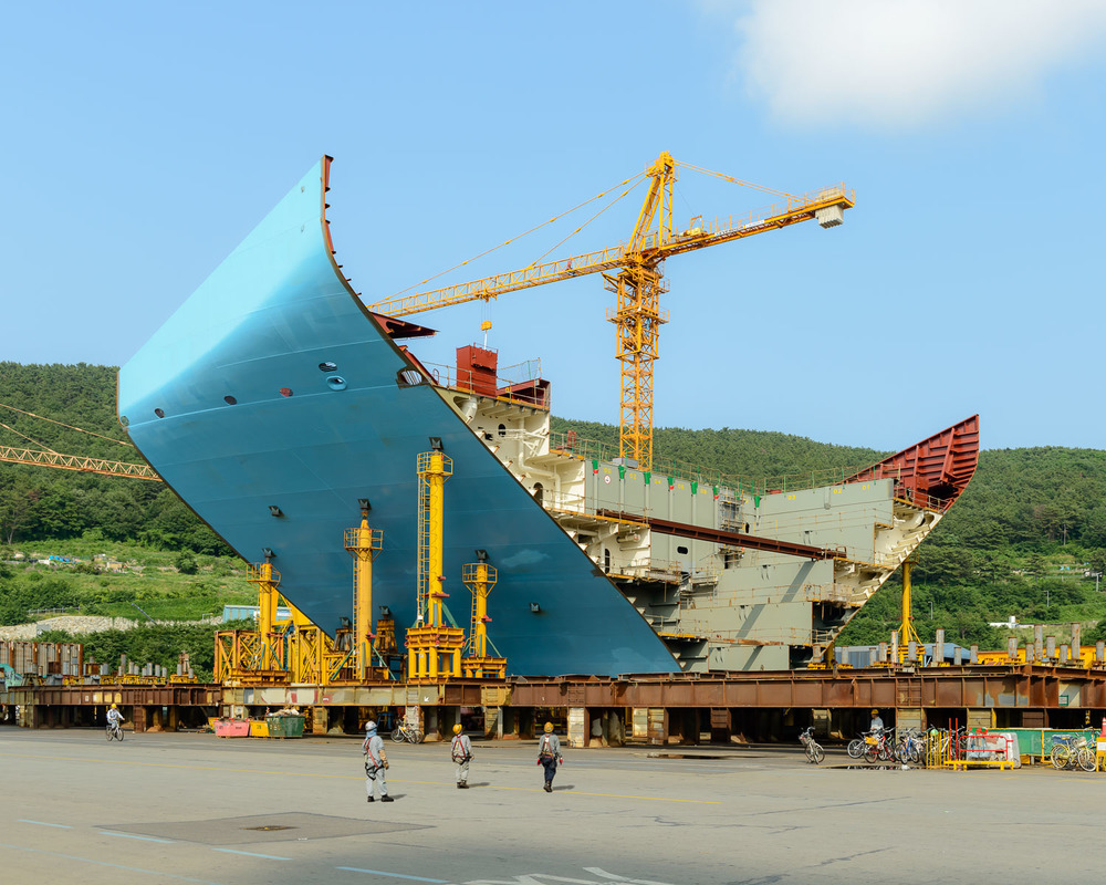 Alastair Philip Wiper - Building Biggest Ship In The World S Korea 2