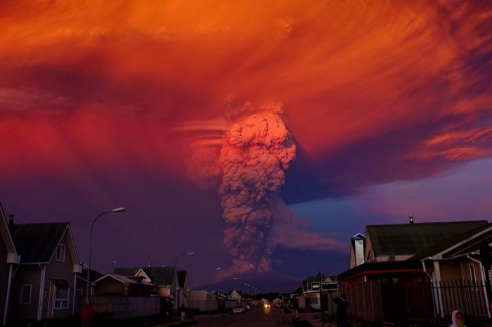 Chile Calbuco Volcano Footage