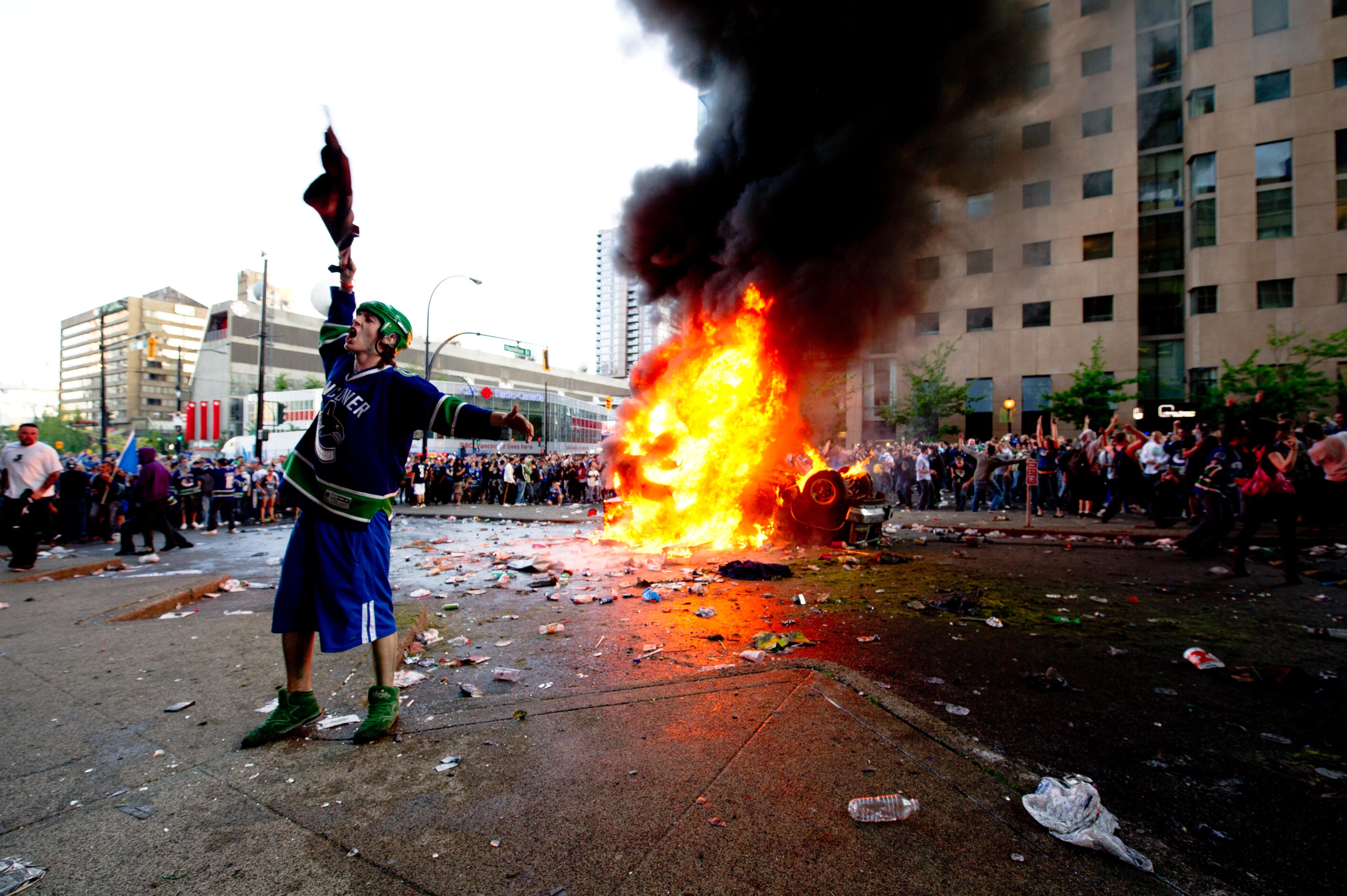 Riot Photos - Vancouver Stanley Cup Riot 2011
