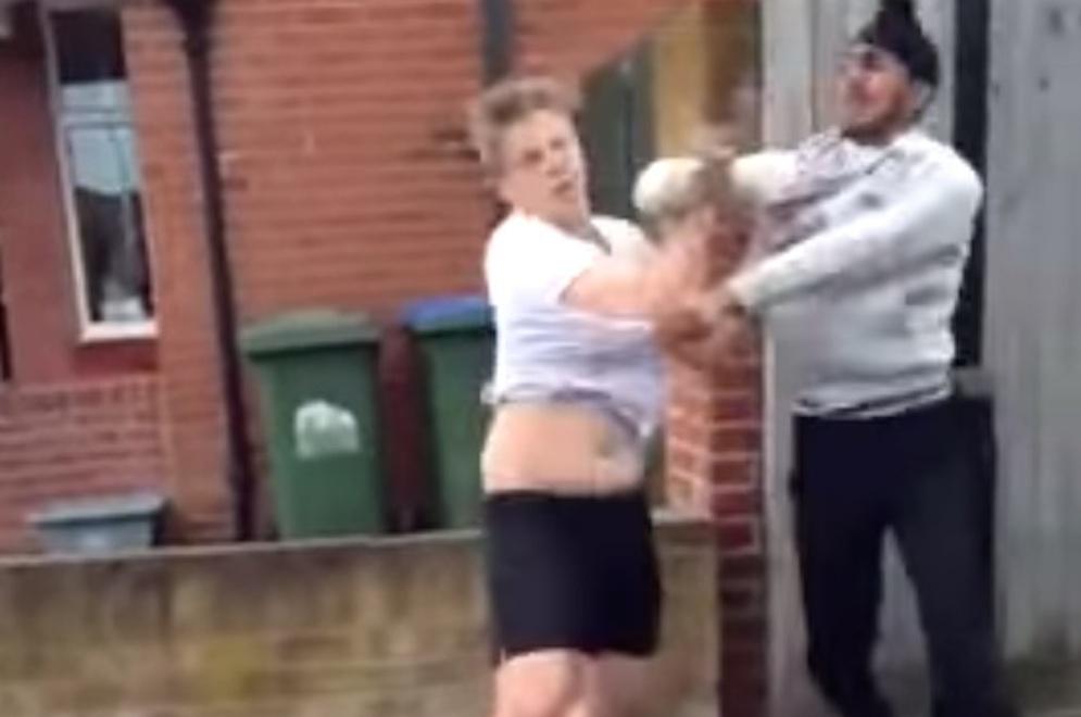 Sikh Kid Batters Fat Kid