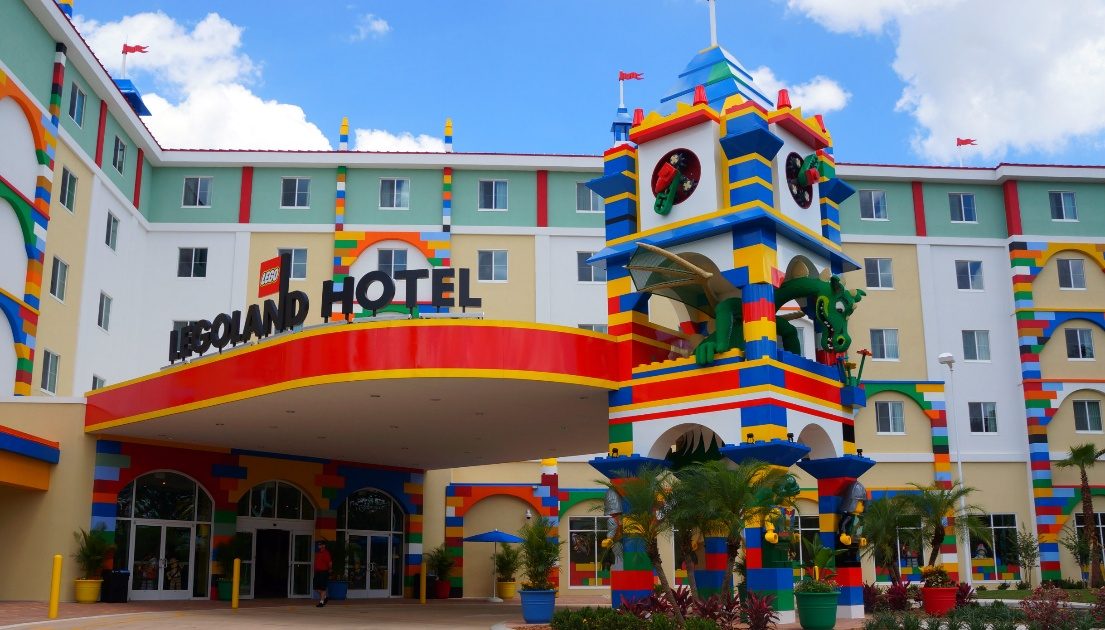 A LEGO Hotel Has Opened In Florida And It Looks Absolutely Immense ...
