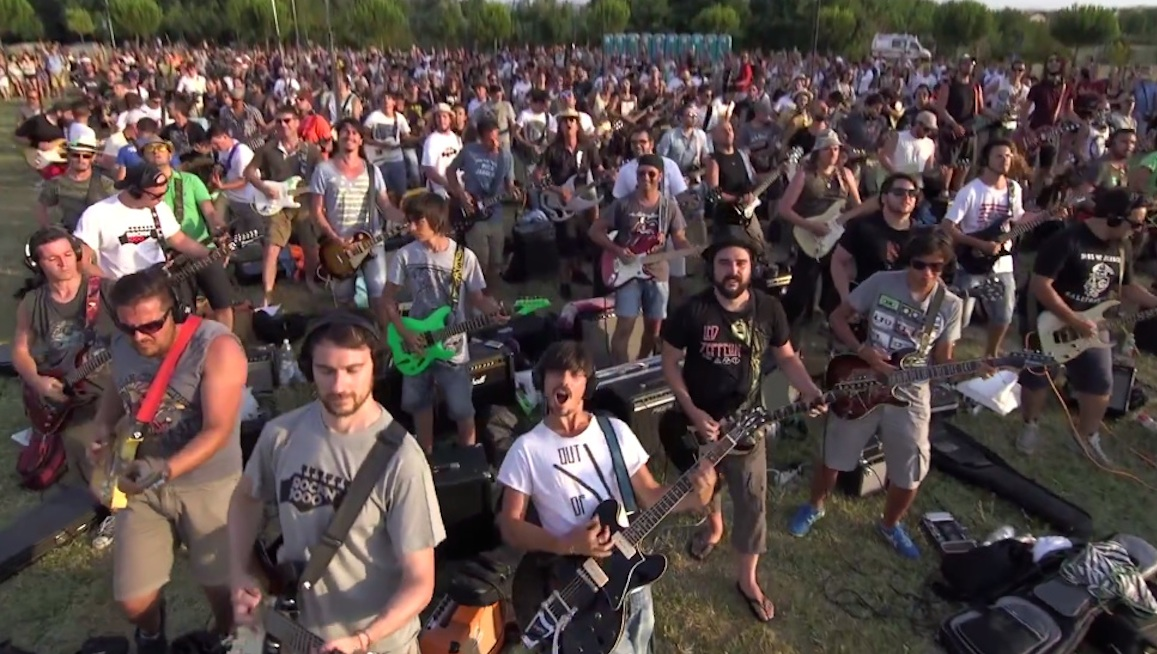 1000 Musicians Playing Foo Fighters