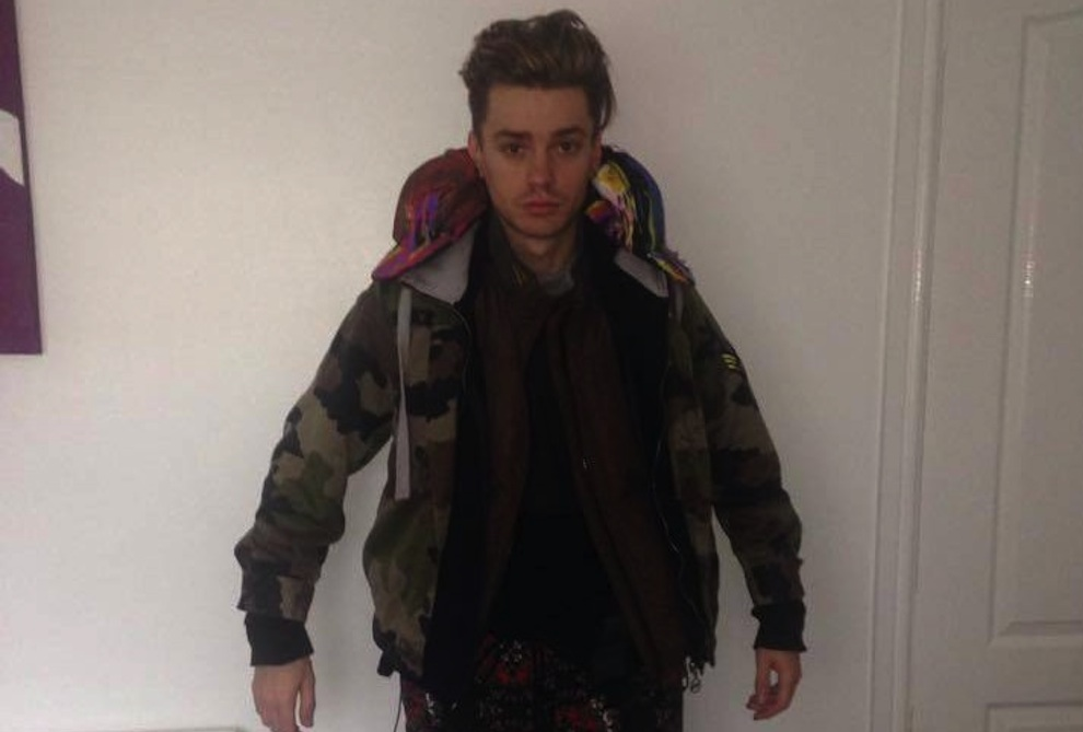 Boyband Singer Wears 12 Layers