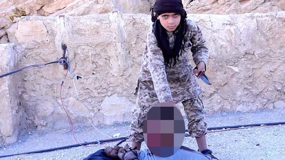 ISIS Kid Executes Soldier