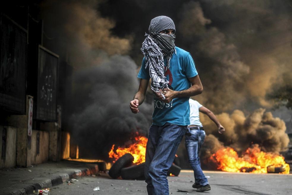 Mosa'ab Elshamy - 1 Riot Gear