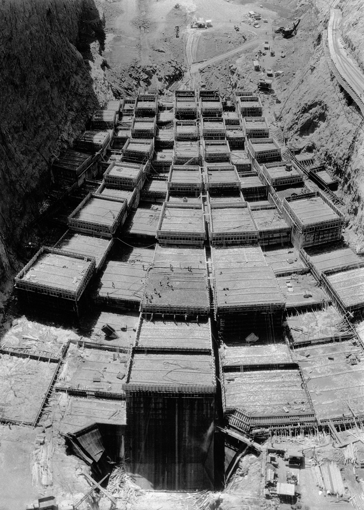11 Sep 1933, Boulder, Colorado, USA --- Original caption: Progress of Boulder Dam construction. Striking scenes of the progress of the construction work on Boulder Dam. This photo shows the concrete and steel foundation of the dam. --- Image by © Bettmann/CORBIS
