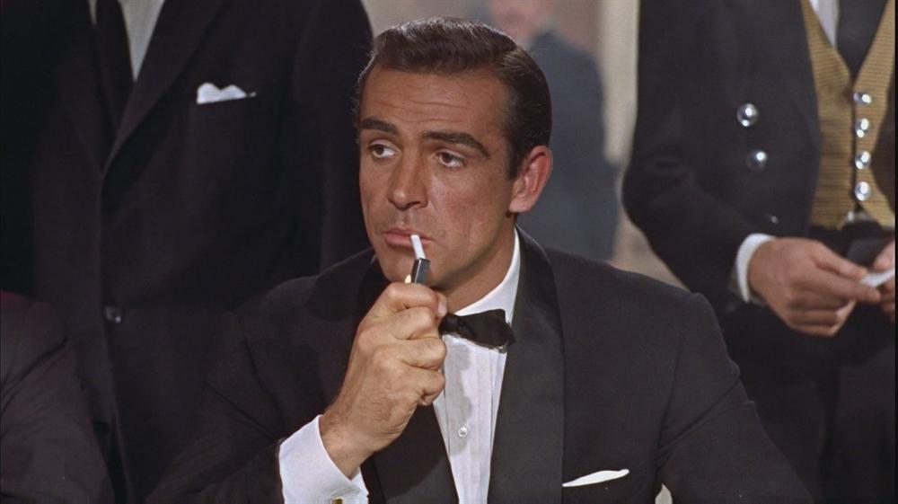 Smoking Sucks - James Bond