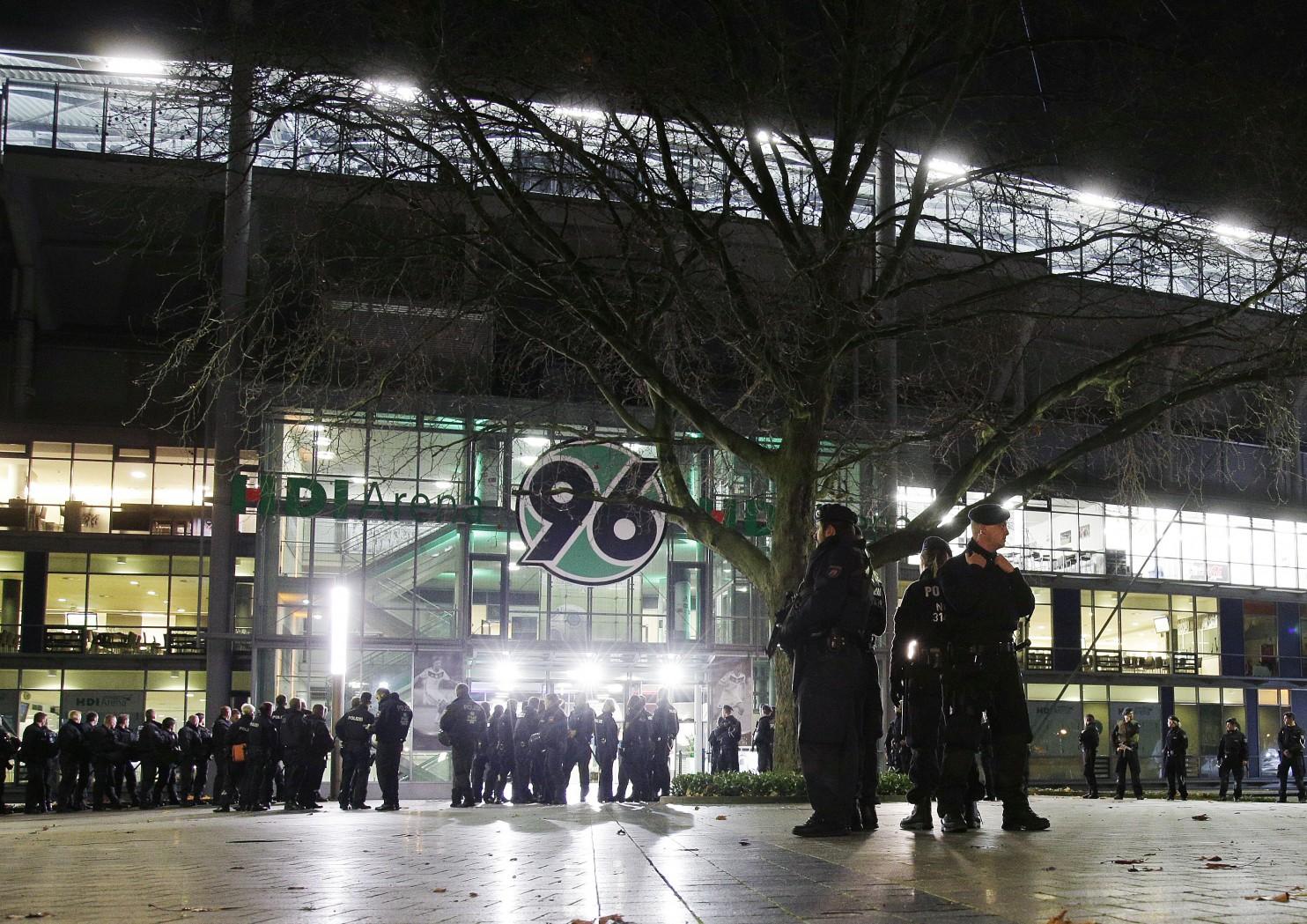 Hannover 96 Stadium Evacuated