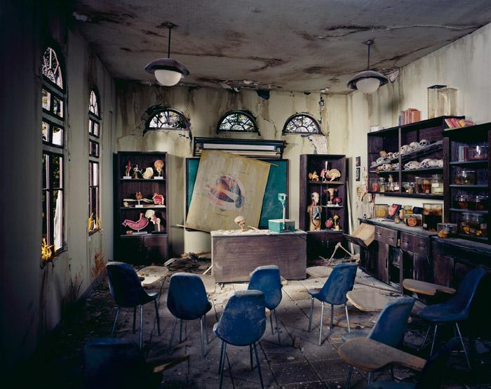 Lori Nix - Classroom