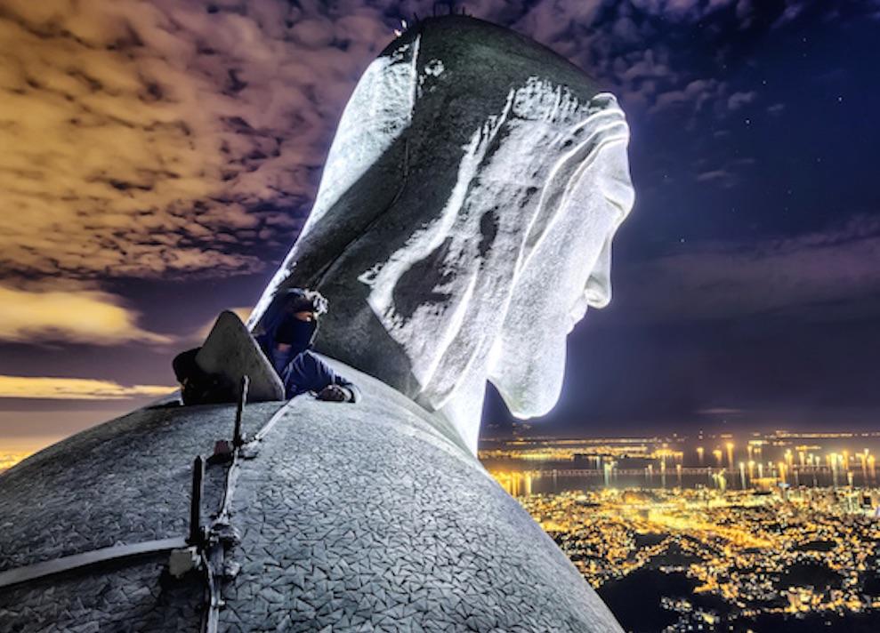 Russians Climb Christ The Redeemer
