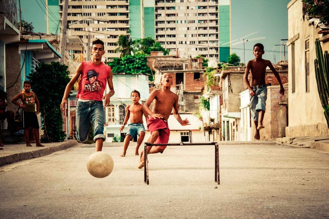 Sebastian Gil Miranda - Cuba Play