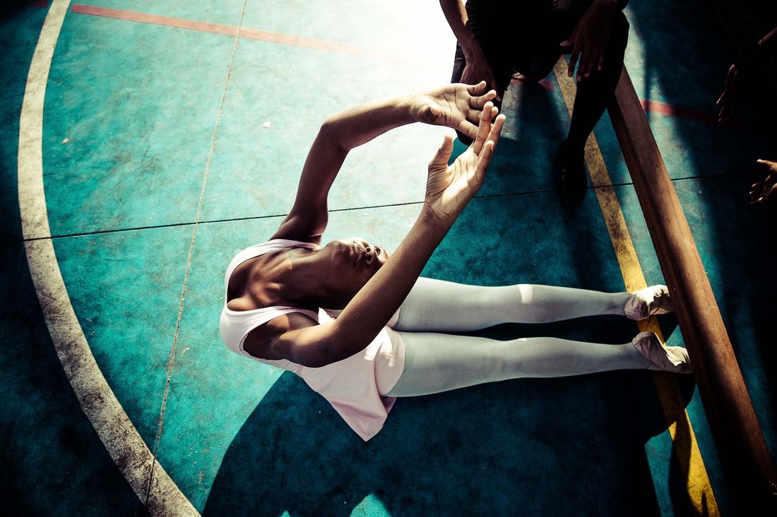 Sebastian Gil Miranda - Stretching
