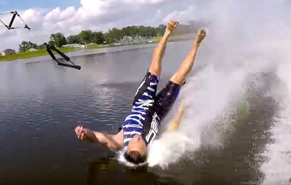 Barefoot Water Skiing Crashes