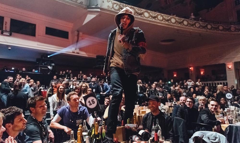 Oli Sykes Destroys Coldplays Table