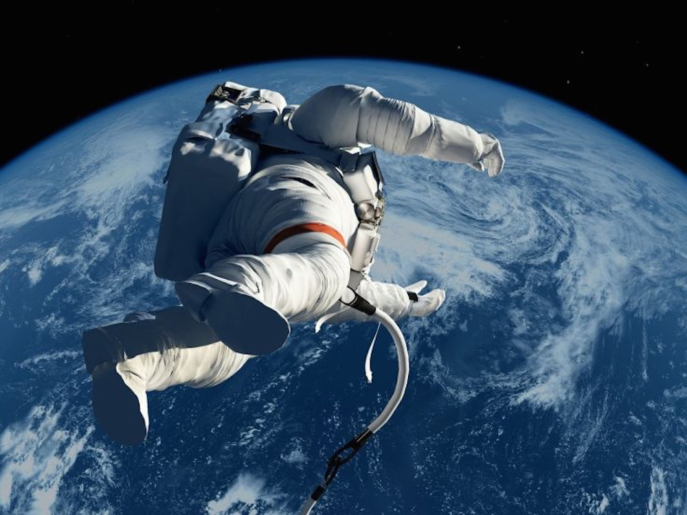 astronaut trapped in space movie - photo #10