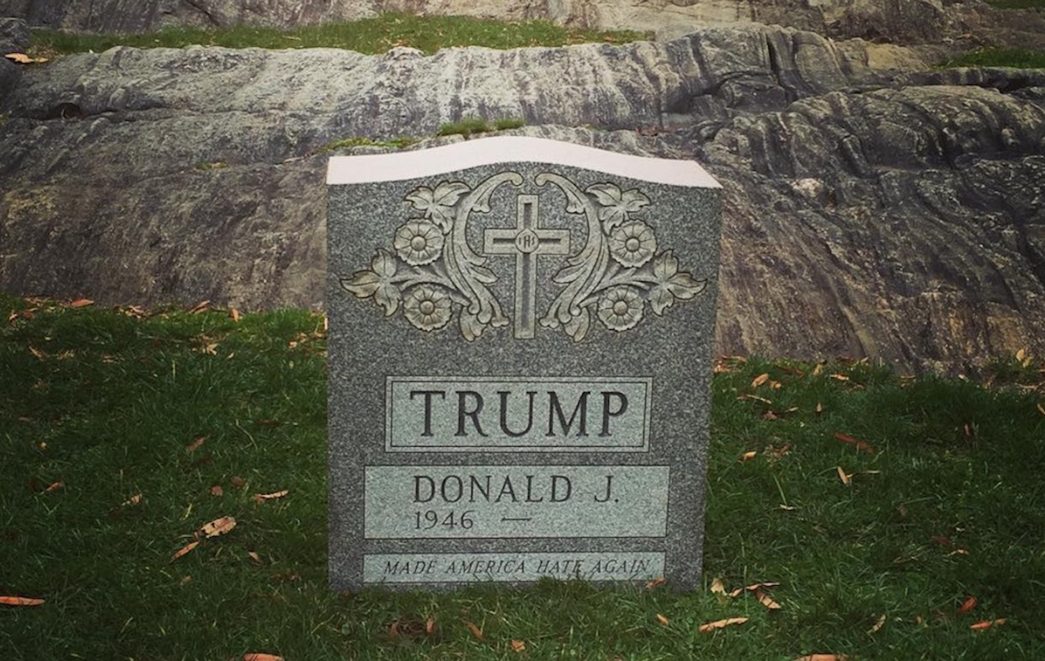 A Tombstone For Donald Trump Has Appeared In Central Park Sick Chirpse