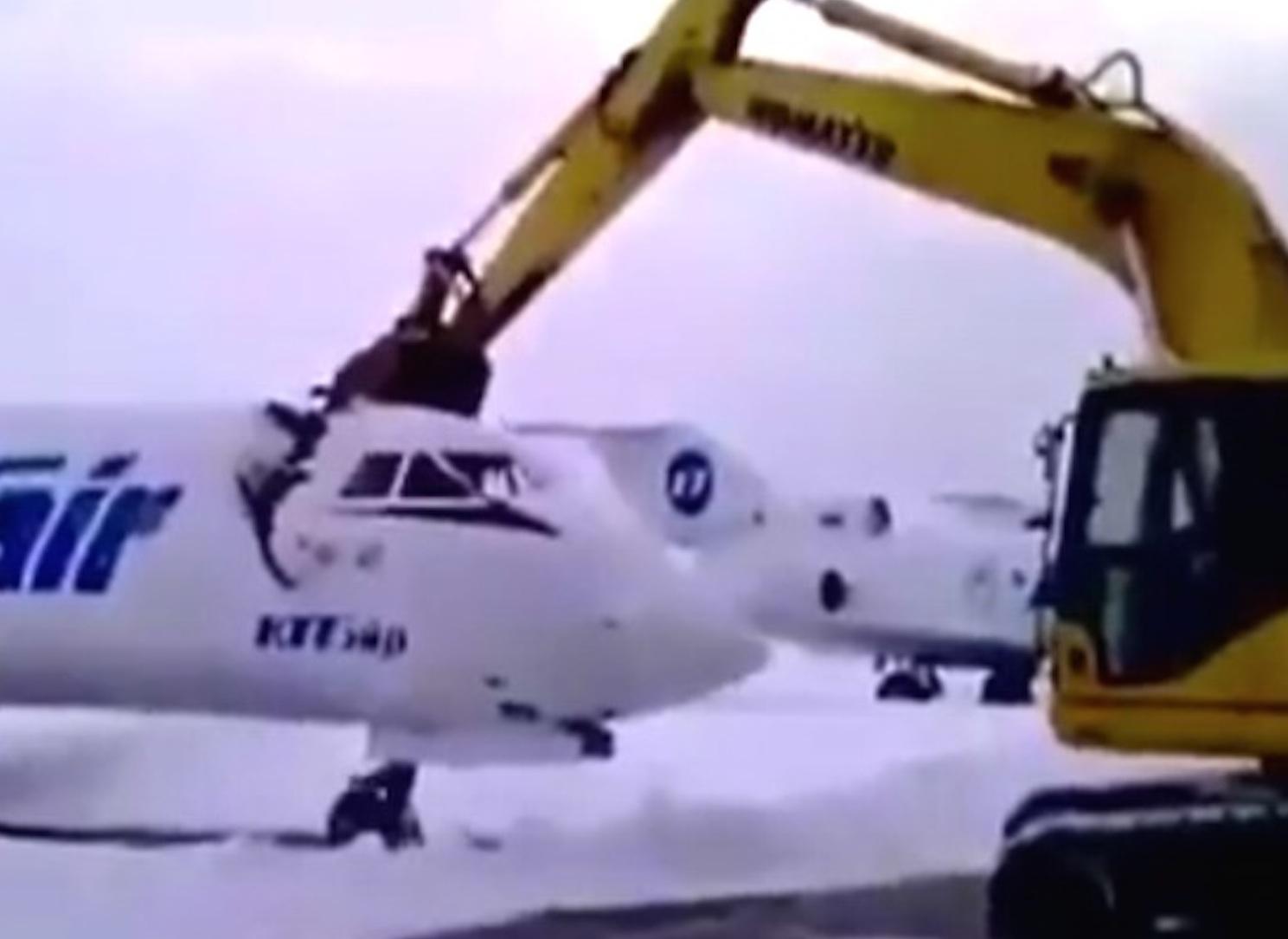Russian Digger Destroys Jet