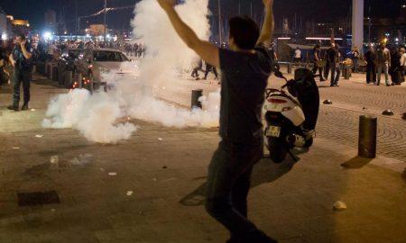 marseilles riot tear gas