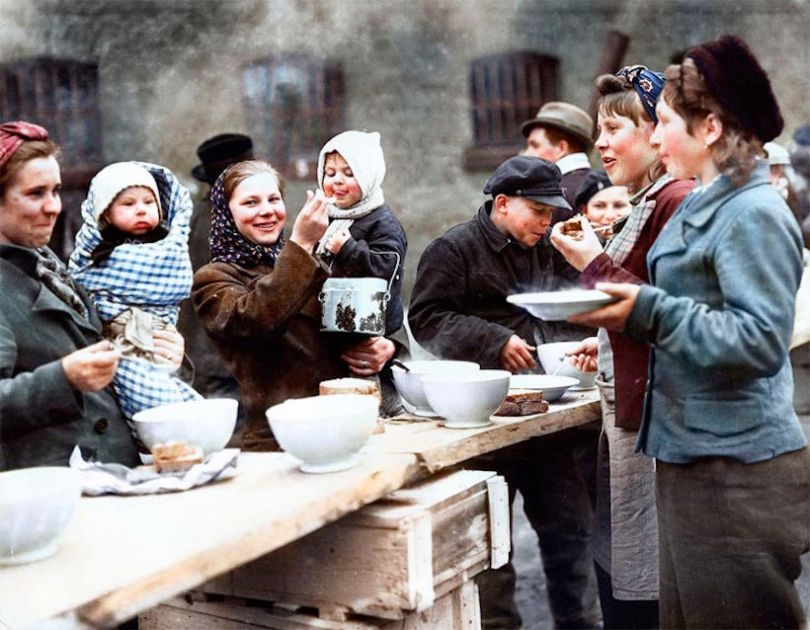 Colourised WW2 Refugees 10