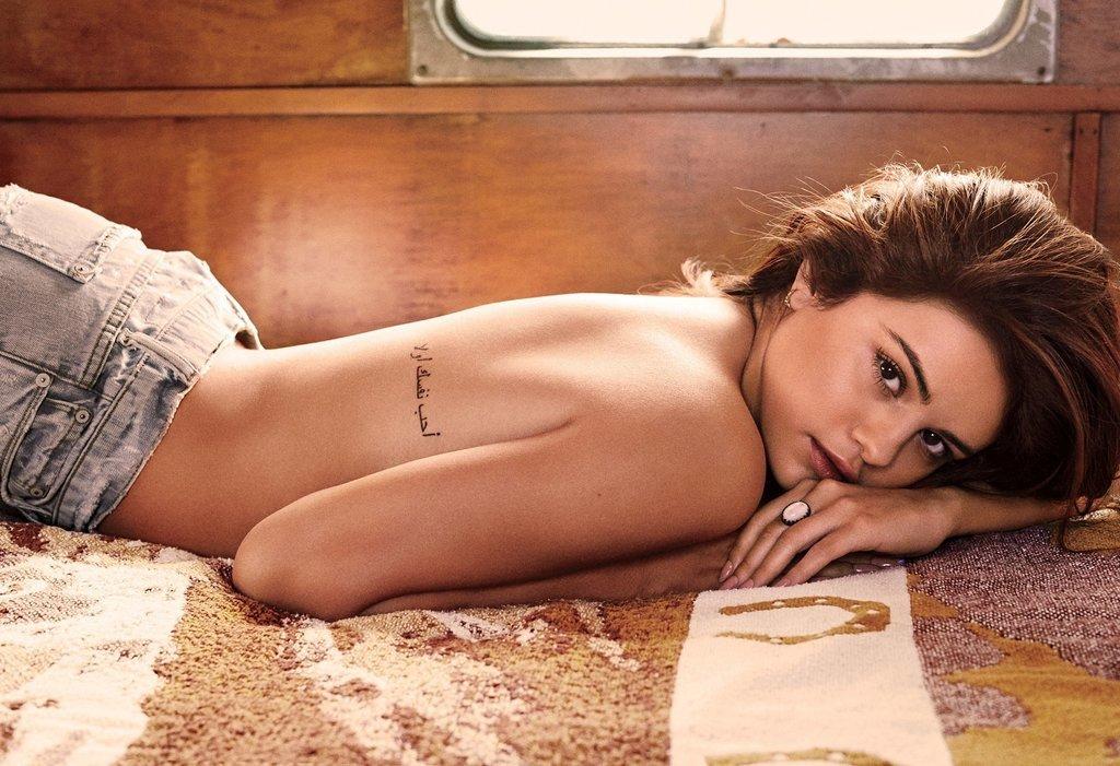 Selena Gomez Topless