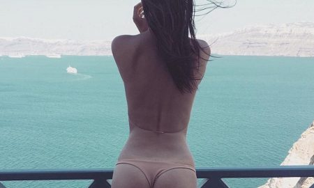 Emily-Ratajkowski-Featured