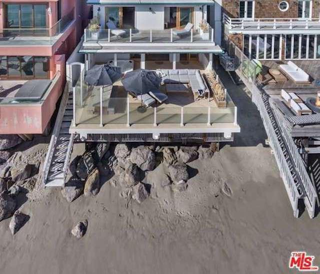 leo-beach-house-1