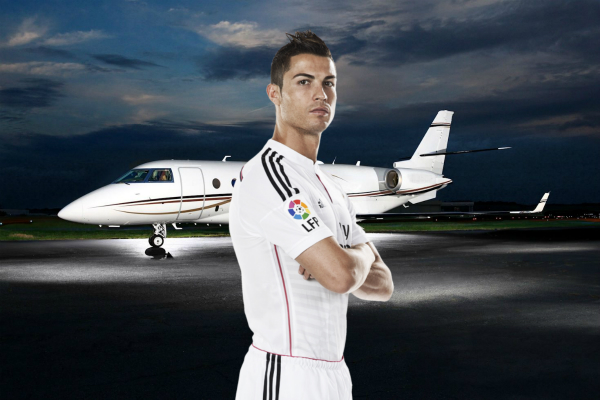 Aereo Privato Real Madrid : Breaking cristiano ronaldo s private jet just crashed in