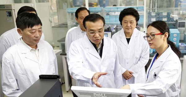 chinese-scientists-2