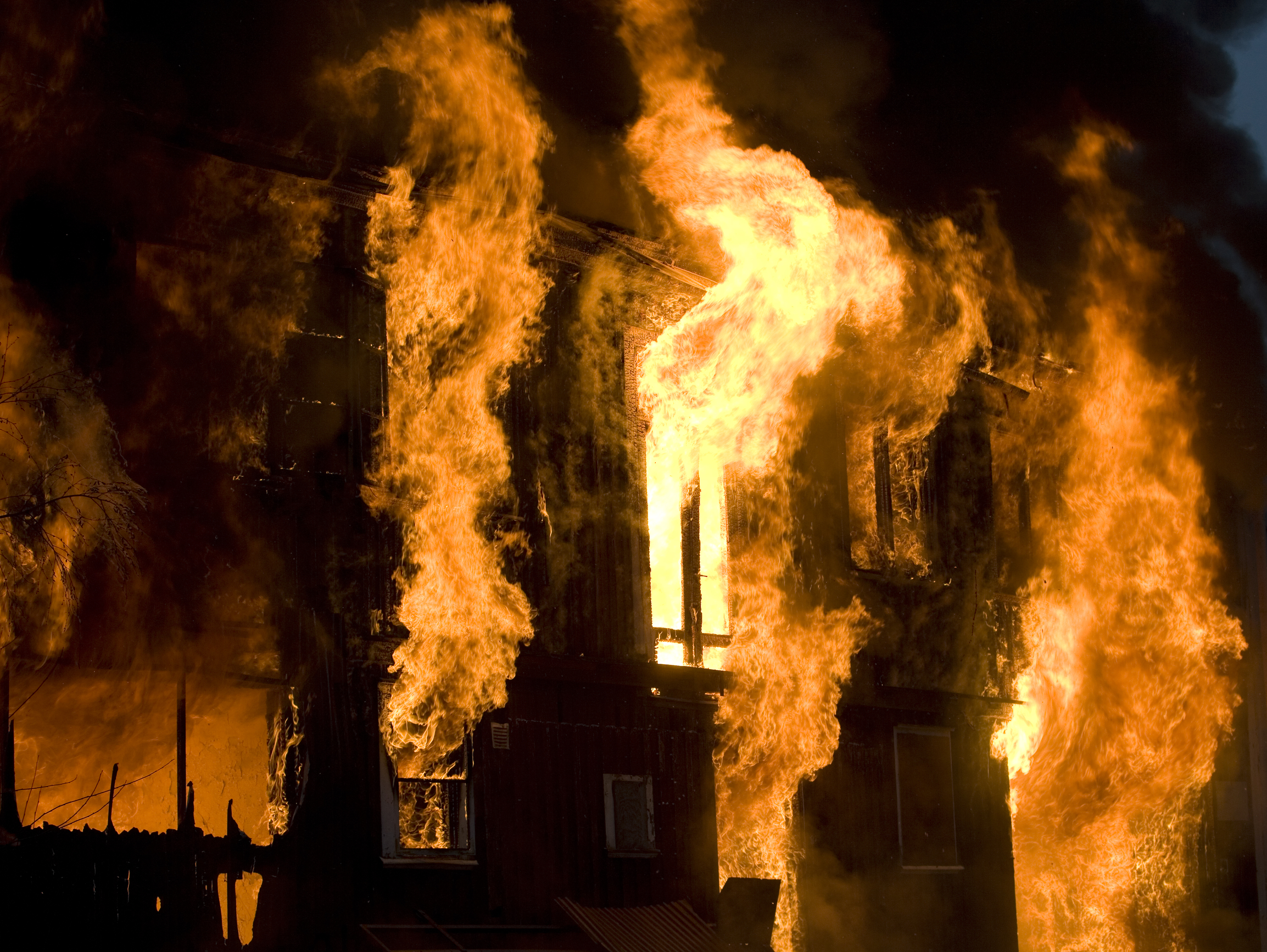 Building On Fire : Man in hospital after risking life to heroically save
