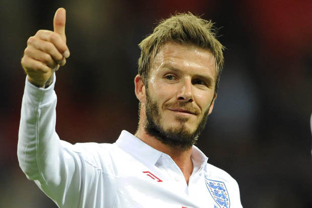 david-beckham-in-his-england-shirt-giving-a-thumbs-up-424287