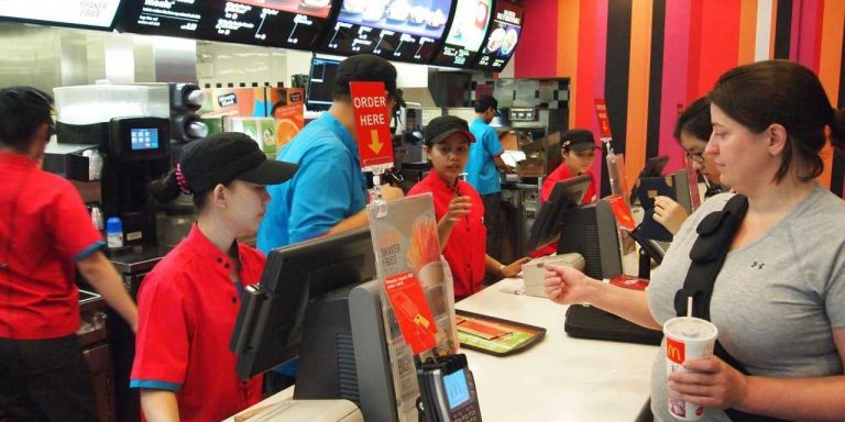 what are mcdonalds customer needs Mcdonald's needs to identify whether the number of target customers is growing or shrinking and whether their buying habits will change in the future market research considers everything that affects buying decisions.