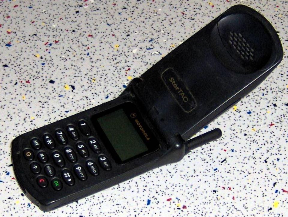 motorola-flip-phone