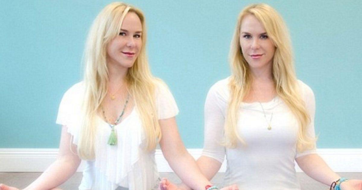 yoga-twins
