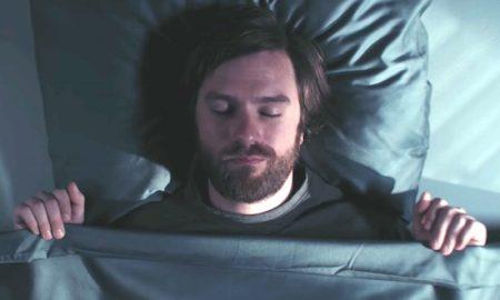 guy-sleep-talking