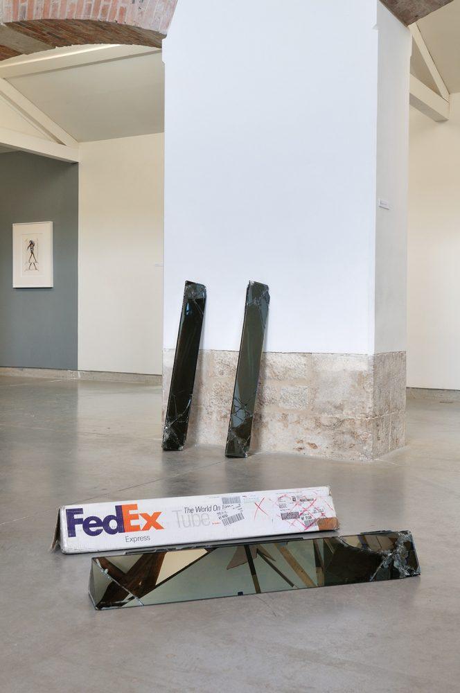 fedex-scultpure-5