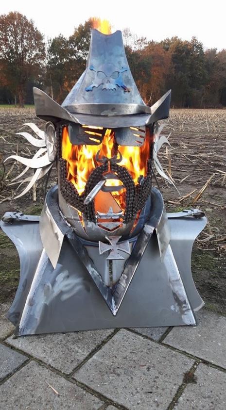 Lemmy Fire Pit 4